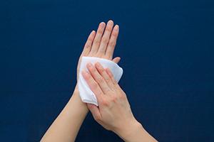 VBおしぼりを活用した手指衛生、手の拭き方